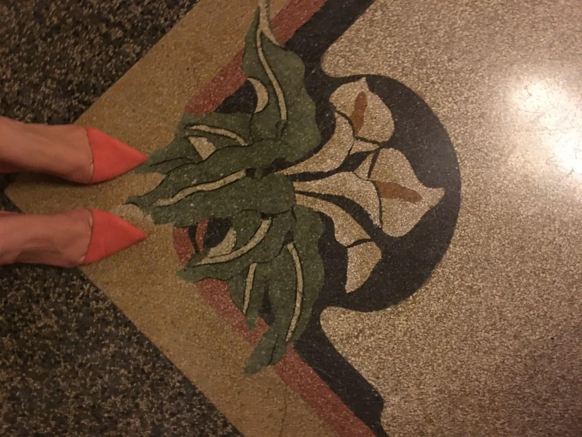 particolare decorativo del pavimento del vestibolo del Casinò