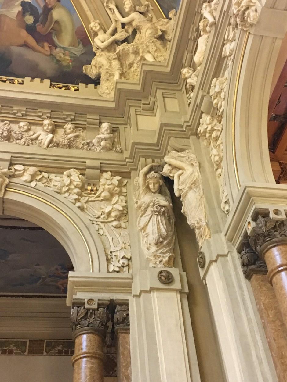 Decorazioni del salone di ingresso del Casinò