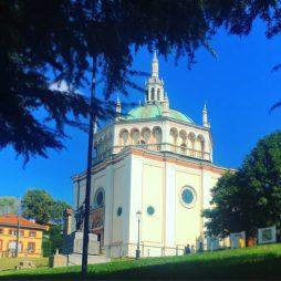 Chiesa Crespi d'Adda copia di chiesa di Busto Arsizio