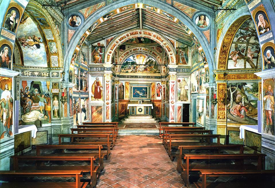 Scoprire la splendida chiesina di San Bernardino a Lallio, capolavoro del 1400.