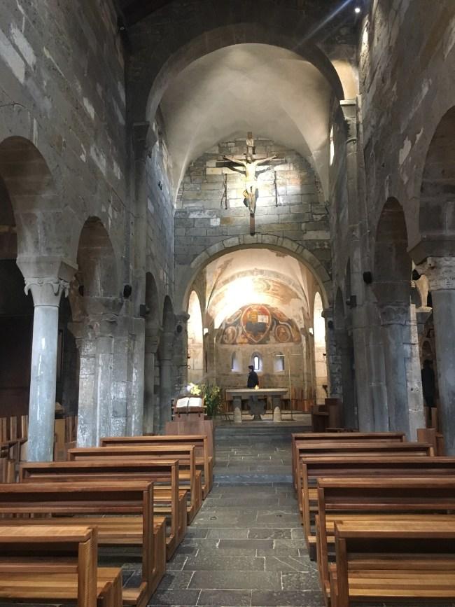 Interno dell'abbazia di Fontanella
