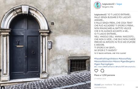 Luigi Sutera fotografa un portone di Bergamo