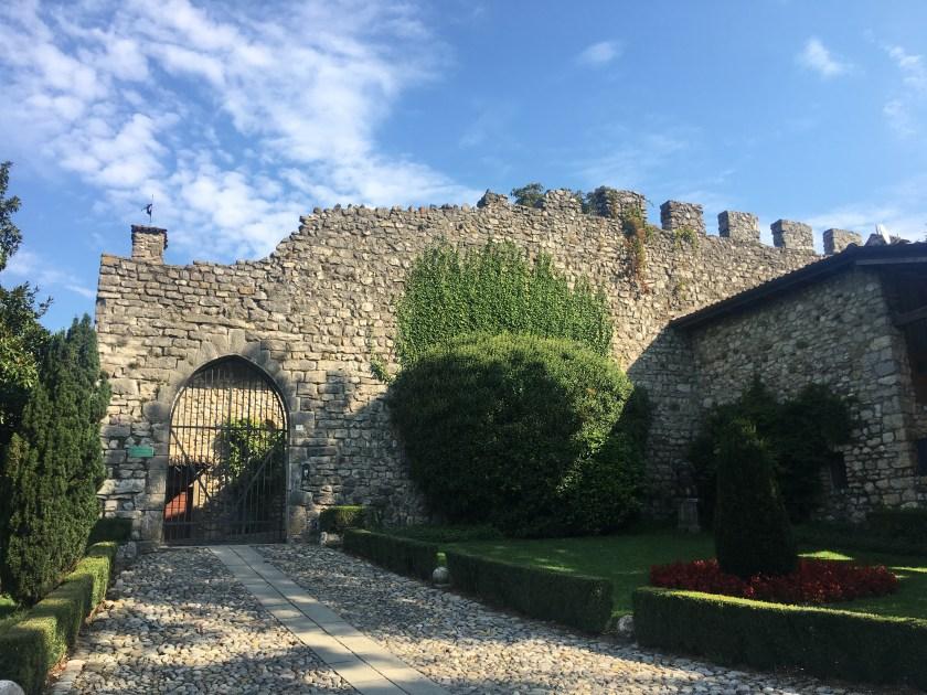 Ingresso del castello di Monasterolo