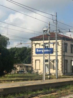 Cartello della Stazione di Bergamo