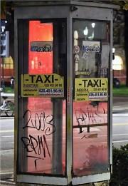 ex cabina dei taxi Bergamo.jpg