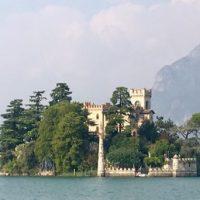 Sull'Isola di Loreto, Lago d'Iseo, passeggiare e ascoltare musica jazz
