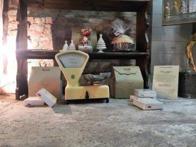 Gromo 16 bilancia vintage e prodotti da forno