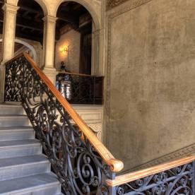 13 Palazzo Martinoni scalinata in ferro battuto