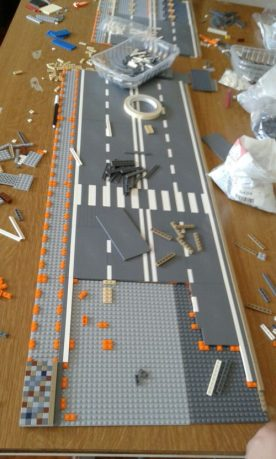 Costruire una strada del centro piacentiniano coi Lego