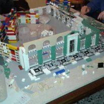 Fasi di costruzione di Ubi Banca coi Lego