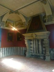 Grande camino nella sala di rappresentanza di Palazzo Bazzini