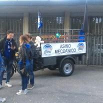 Asino Meccanico fuori dallo Stadio dell'Atalanta