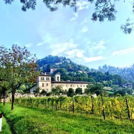 Monastero nella valle d'Astino