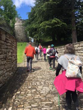 Verso la Rocca di San Vigilio coi bastoncini da Nordic Walking