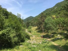 Sul sentiero verso il cuore della Valle del Freddo