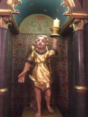 Statua lignea angelo con candela in mano