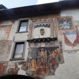 palazzo affrescato a Clusone