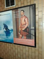 Il poster con l'immagine del Cavaliere in Rosa a New York