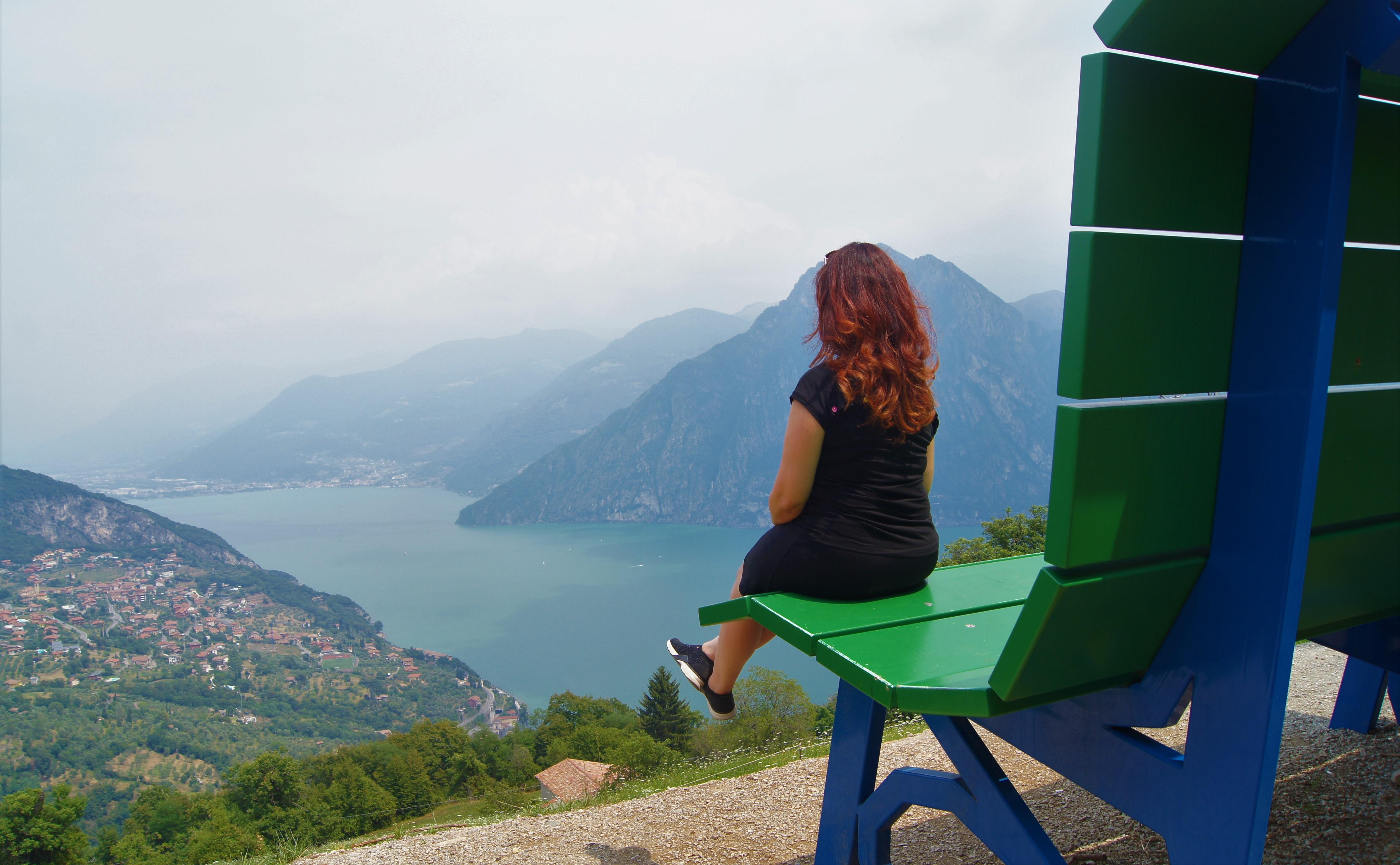 Lago D Iseo Sulla Big Bench La Panchina Gigante Che Fa Tornare