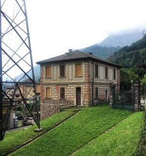 La casa del custode in stile Liberty della Centrale Crespi di Gromo