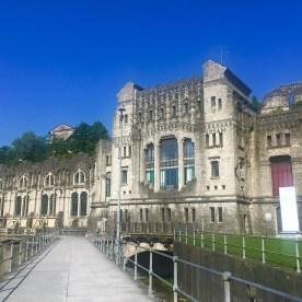 Centrale idroelettrica Taccani dalla passerella