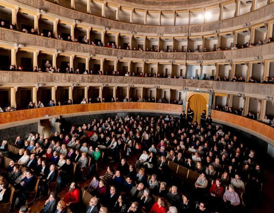 Festival-delle-lettere-al-Teatro-Sociale.jpg