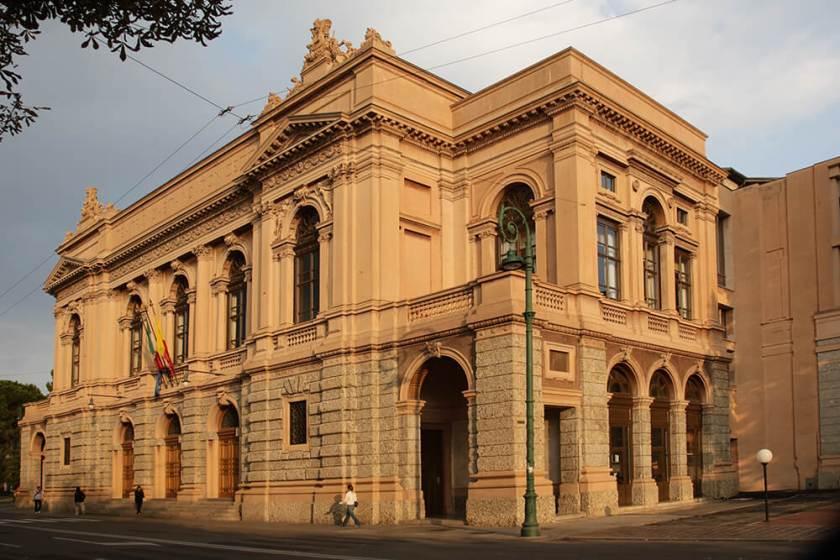 teatro-donizetti-facciata-esterna.jpg