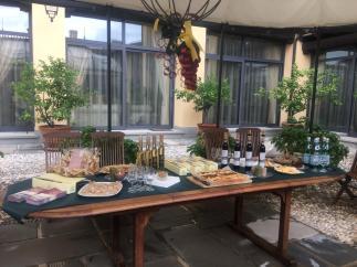 18 tavolo per la degustazione