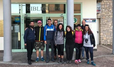 il gruppo all'apertura del cammino del Vescovado