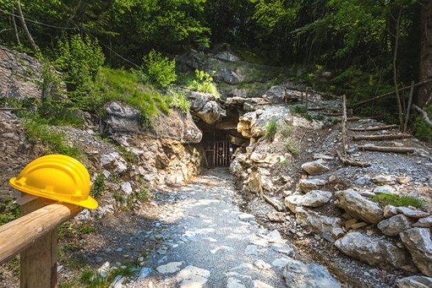 ingresso-miniere-di-dossena