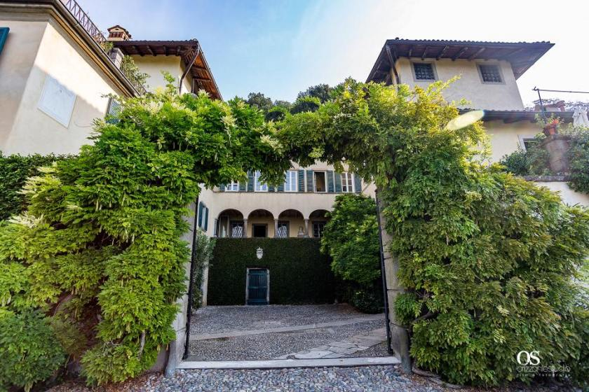 L'ingresso della Villa Frizzoni.jpg