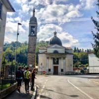 Al Santuario della Madonna delle Rose di Albano Sant'Alessandro c'è profumo di devozione tutt'intorno