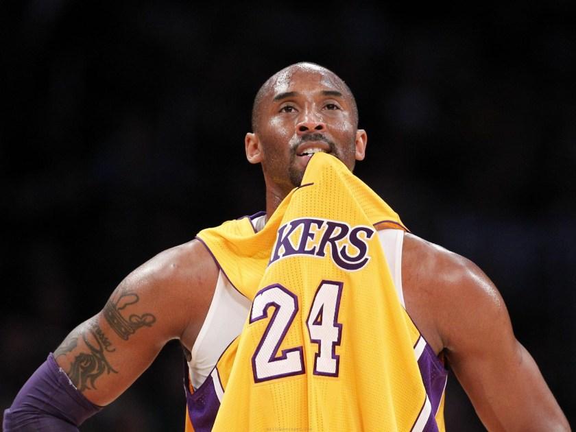 Kobe Bryant con la maglia dei Lakers