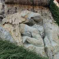 Una passeggiata nel Parco del Gigante di Luzzana, per ammirare l'uomo di roccia che sostiene la montagna