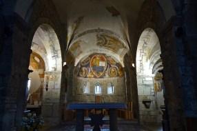 Abside-con-presbiterio-navata-centrale