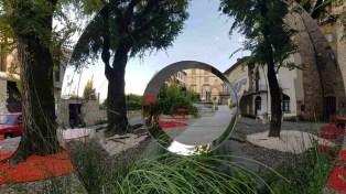 Piazza Mascheroni nella scultura Torus di Harber_copertina