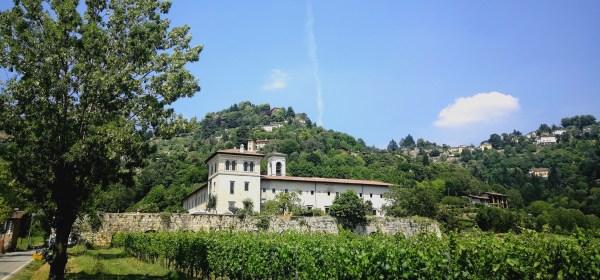 Imbocco della Valle d'Astino a Bergamo con Monastero