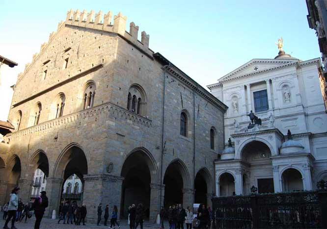 Palazzo_della_Ragione_Bergamo