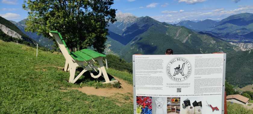 Panchina gigante di Parre Big bench project