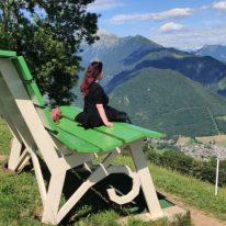 Raffi Garofalo sulla Panchina gigante di Parre (Bg)