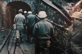 Minatori che entrano nella Miniera di Schilpario