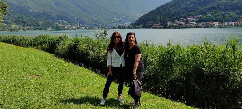 Barbara Savà e Raffi Garofalo durante il periplo del Lago d'Endine