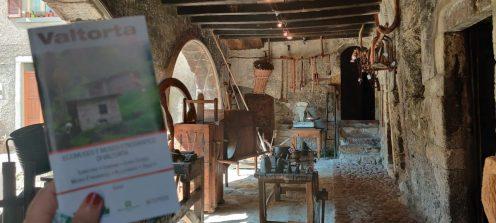 ingresso palazzo pretorio oggi museo etnografico di Valtorta