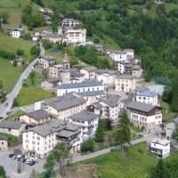 Alla scoperta di Valtorta in estate: girovagare per le  vie di un borgo dell'Alta Val Brembana dominato dal Pizzo dei Tre Signori