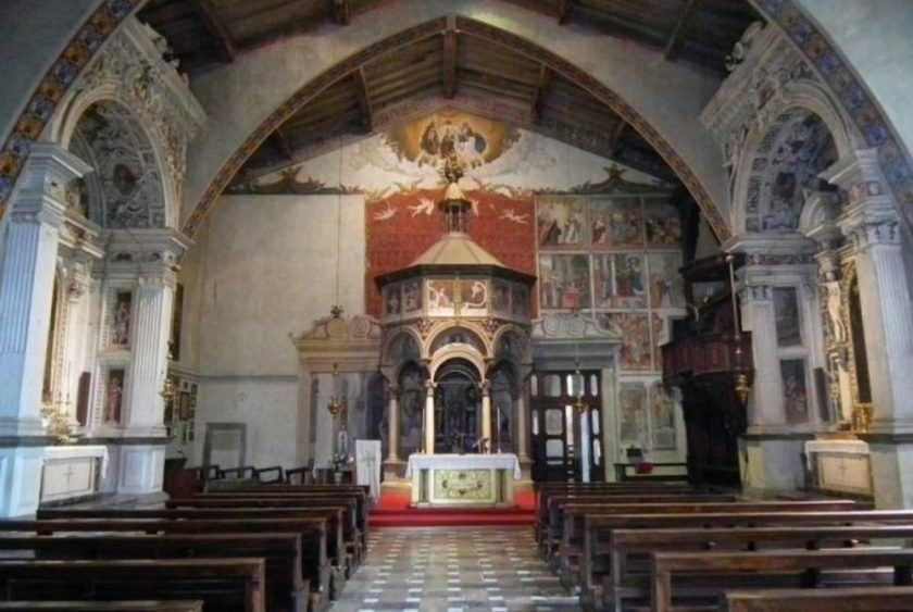 madonna-castello-interno