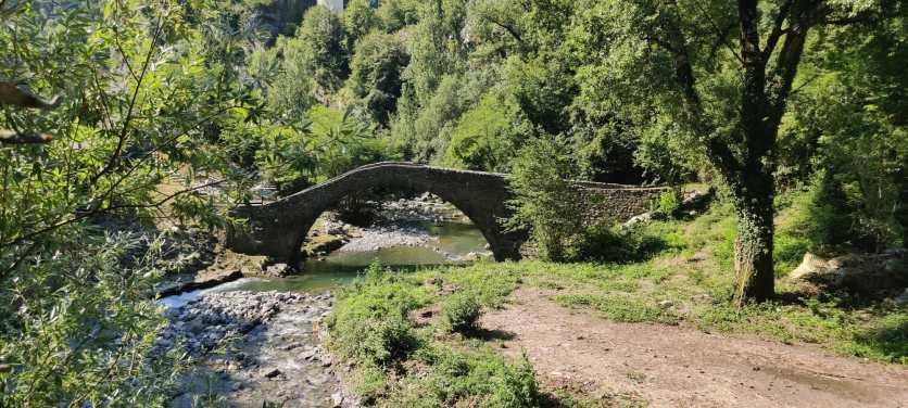Ponte del Cappello all'imbocco della val Brembilla