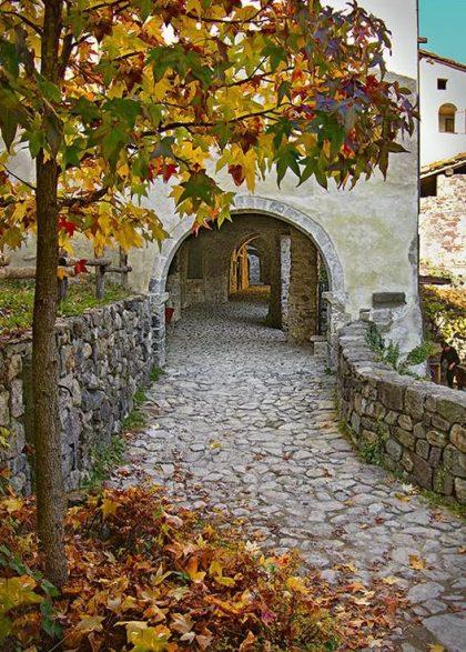 Cornello dei Tasso in autunno
