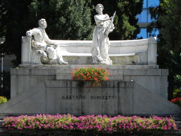 Monumento dedicato a Gaetano Donizetti