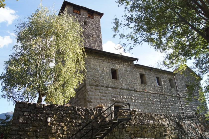 Castello di Bianzano visto dal parco