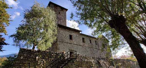 Castello di Bianzano in autunno